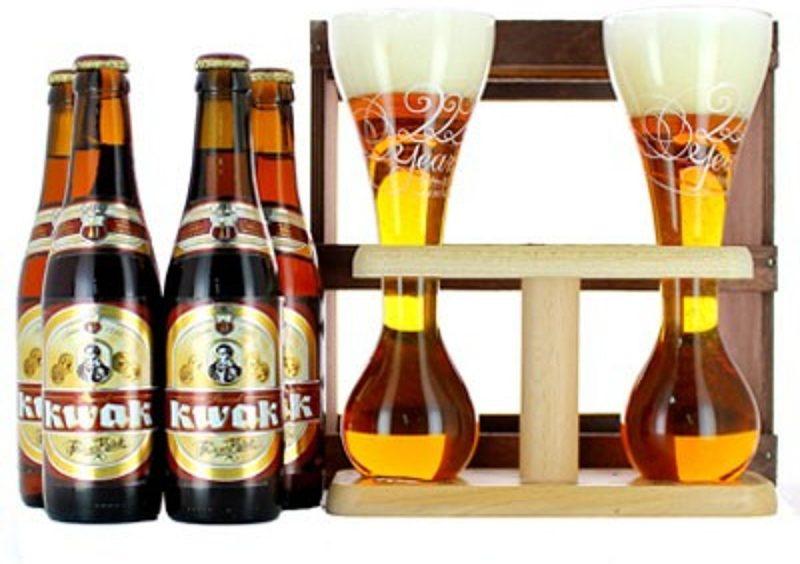 Kwak bier met glazen